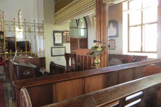 Above ground burial vaults - รูปถ่ายของ St  John's Parish