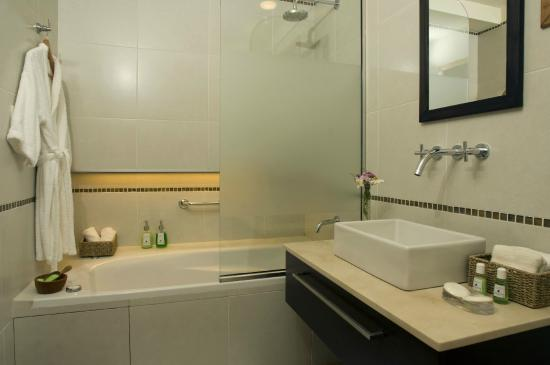 Las Bayas Hotel: Baño de Junior Suite