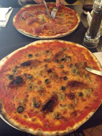 The best thinnest crust pizza in Rome!