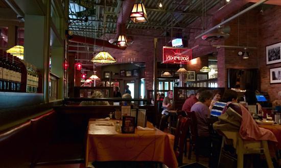 UNO Chicago Grill