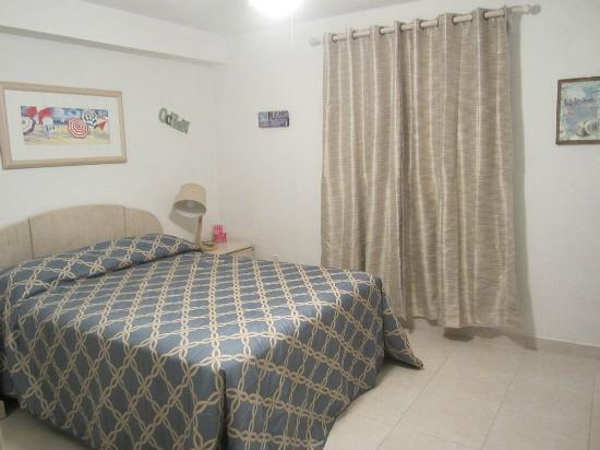Carib Sands Beach Resort: Third Bedroom