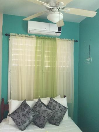 Seaspray Hotel: Room with air condition