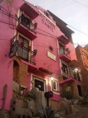 Casa de Dante Hostel: Fachada