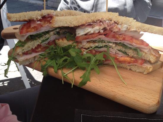 Accademia Del Panino: Se volete andare in estasi con un panino allora venite qui! Ottimo cibo e ottimo personale! Vo