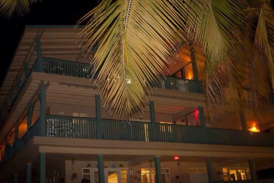 Culebra Beach Villas: Beautiful night at the villas!