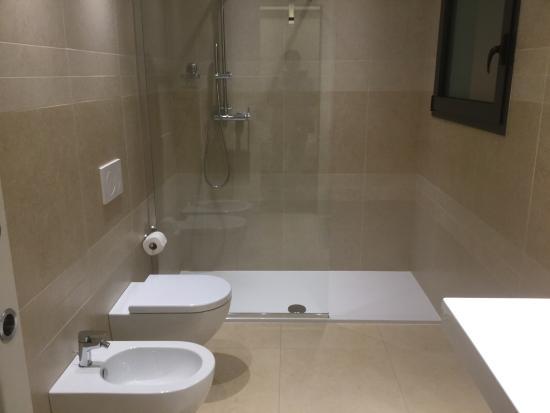 Corte Quadri: Spacious but simple toilet