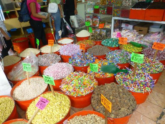 El Mercado Corona: Candies, Nuts and Strange Spices