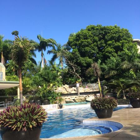 Gateway Hotel & Apartments: Pool is awesome