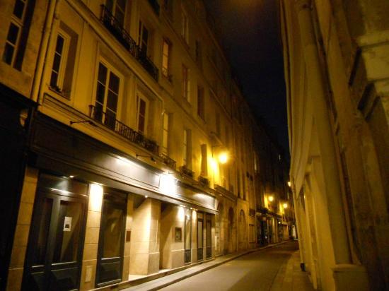 restaurant l 39 initial 9 rue de bi vre 75005 paris photo de restaurant l 39 initial paris. Black Bedroom Furniture Sets. Home Design Ideas