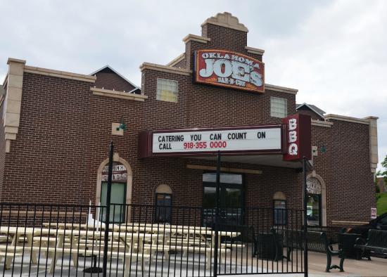 Oklahoma Joe's BBQ: Joe's restaurant