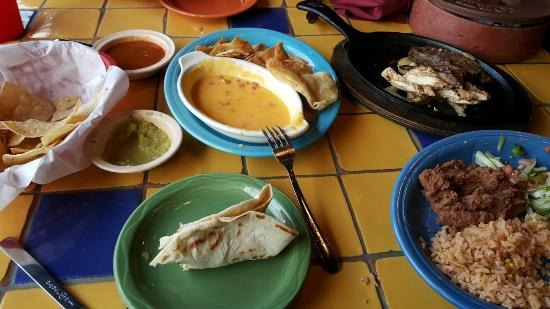 Dos Comales Cafe Y Cantina