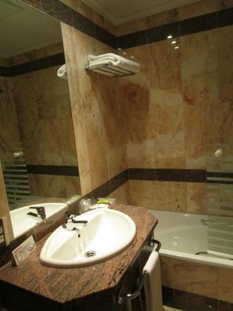 Zenit Dos Infantas: Aspecto del cuarto de baño