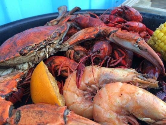Bevi Seafood Co. : Boiled Seafood Platter - Crab, Shrimp, Crawfish