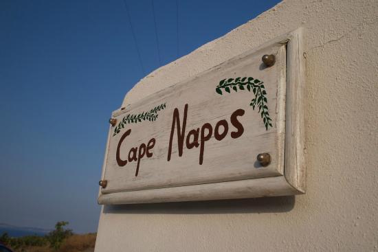 Cape Napos: Entrée du site de l'hôtel