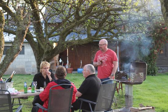 A la Ferme: Dining under the trees