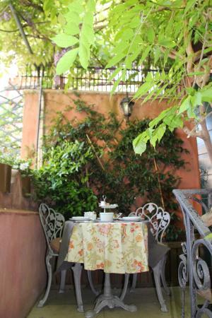 Hotel Locanda Fiorita : our breakfast outside our room