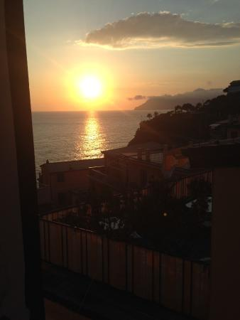 Il Patio: Sea-view Sunset