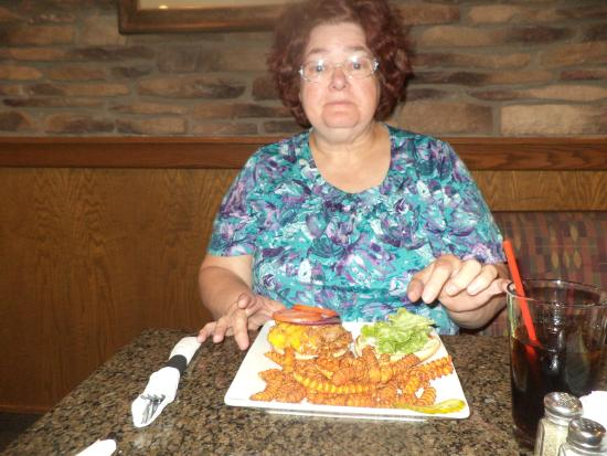 Heritage Inn: Mom and her food.