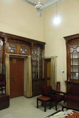 The Kashmir House: Big rooms