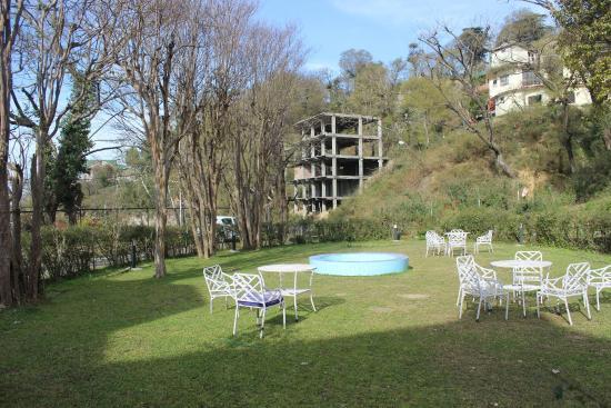 The Kashmir House: Lawn