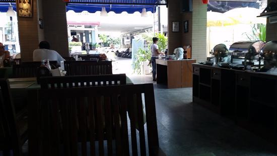 18 Coins Restaurant: 店内の風景