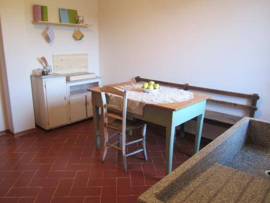 cucina soggiorno - Picture of Country Hill B&B, Arezzo - TripAdvisor
