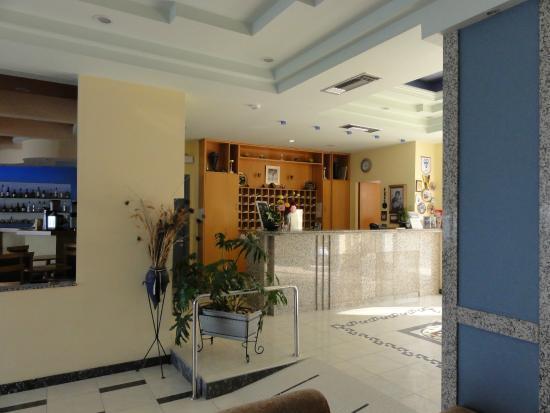 Hotel Tolo: Recepcja