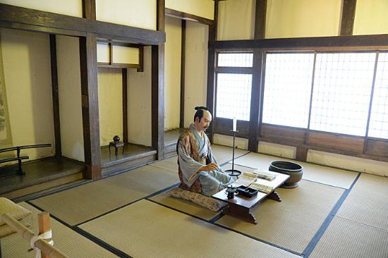 Old Shimoyoichi Unjoya: 同じ建物内とは思えない武士の部屋