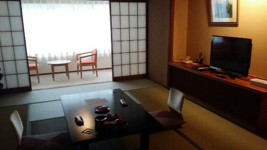 Hotel Okuyumoto : room by day
