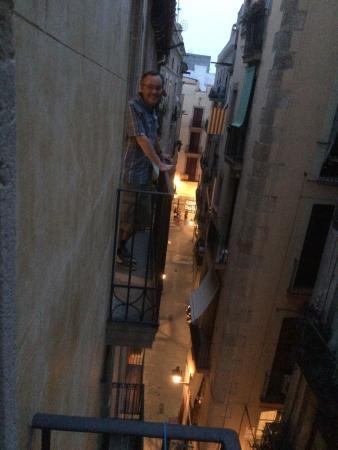 AinB Gothic-Jaume I: L'intérieur contemporain, sympathique, la rue typique étroite du Barri Gotic.