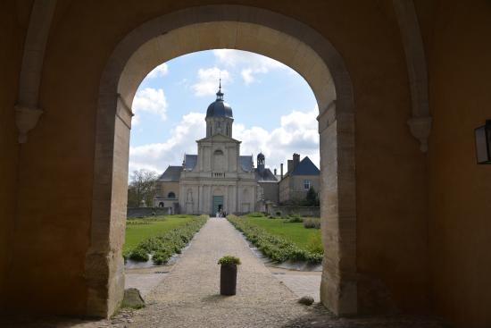 Juaye-Mondaye, Francia: Abbaye Saint-Martin de Mondaye
