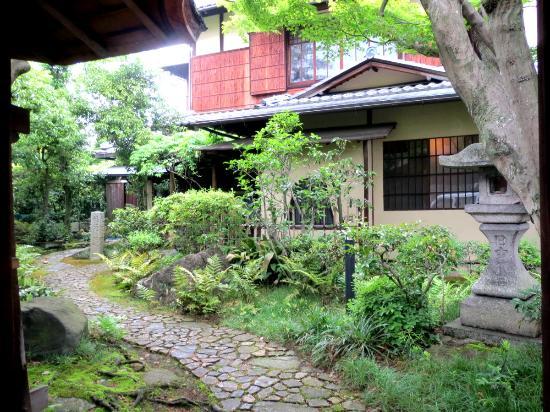 Roka Sensuiso Kion-Ji Temple