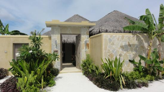 Sheraton Maldives Full Moon Resort & Spa: Villa entrance