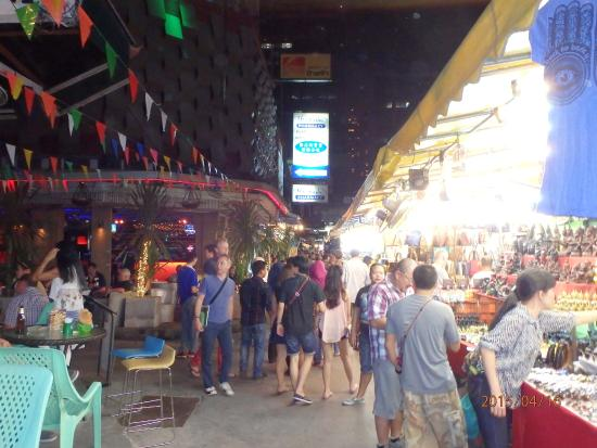 Sukhumvit Road Street market