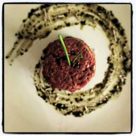 Le Winch: Steak Tartare (handcut)