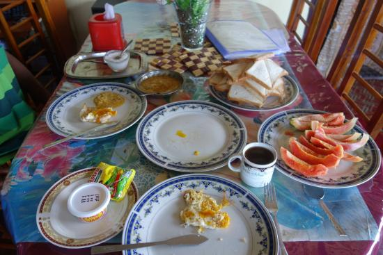 White Home : Breakfast