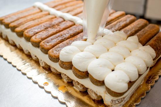 Luka Ice Cream & Cakes