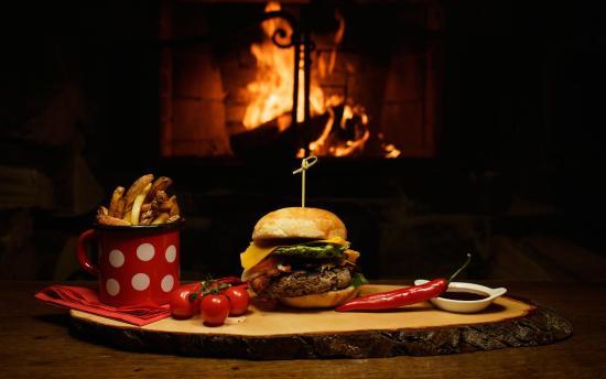 Restaurant Krizovy Vrch: Domácí hamburger