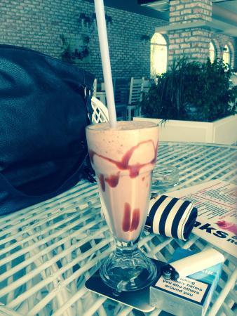 Lagoon Hotel: Chocolate milkshake