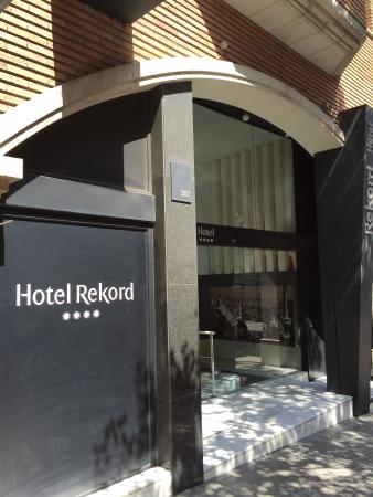 Hotel Rekord: Entrata Hotel