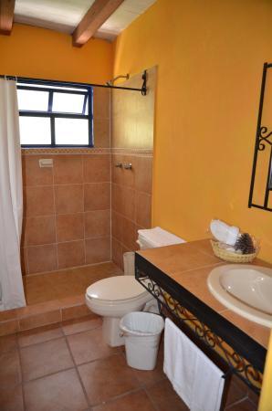 Hotel Molino de la Alborada: bathroom
