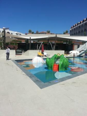 The Sense De Luxe Hotel: Kinderpool