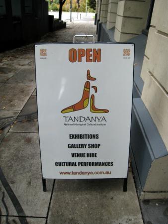 Tandanya, National Aboriginal Cultural Institute Inc. : les photos à l'intérieur sont interdites!