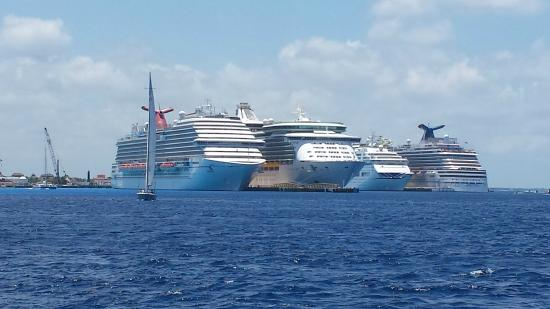 carnival magic on the left ships lined up in cozumel picture of rh tripadvisor com