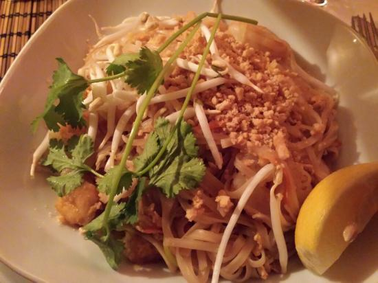 NOI- The Art of Taste: Nutella's crêpe, rice noodles with shrimps and mix of starters. ��������