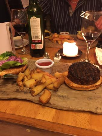 The Foresters Pub and Restuarant: photo0.jpg