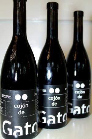 Botellas de cojón de gato