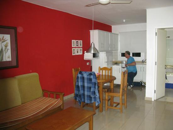 Apartments Parque Tropical : Kitchen
