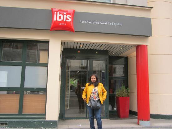 entrada do hotel picture of ibis paris gare du nord la fayette 10eme paris tripadvisor. Black Bedroom Furniture Sets. Home Design Ideas