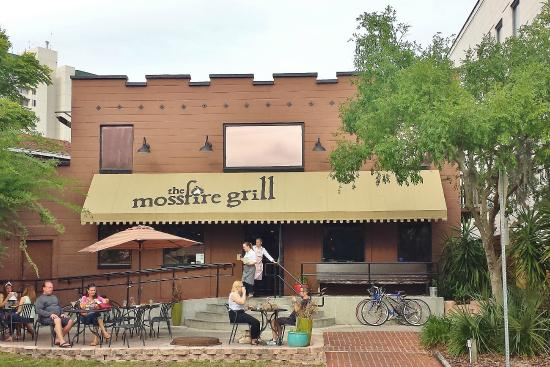 The Mossfire Grill: Front of Mossfire Grill building
